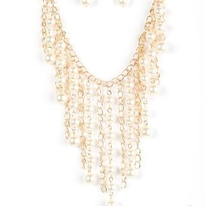 Gold necklace/earrings paparazzi